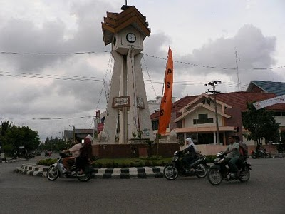3567429-A_Monument_at_LHOK_SEUMAWE_City_Center-Lhokseumawe